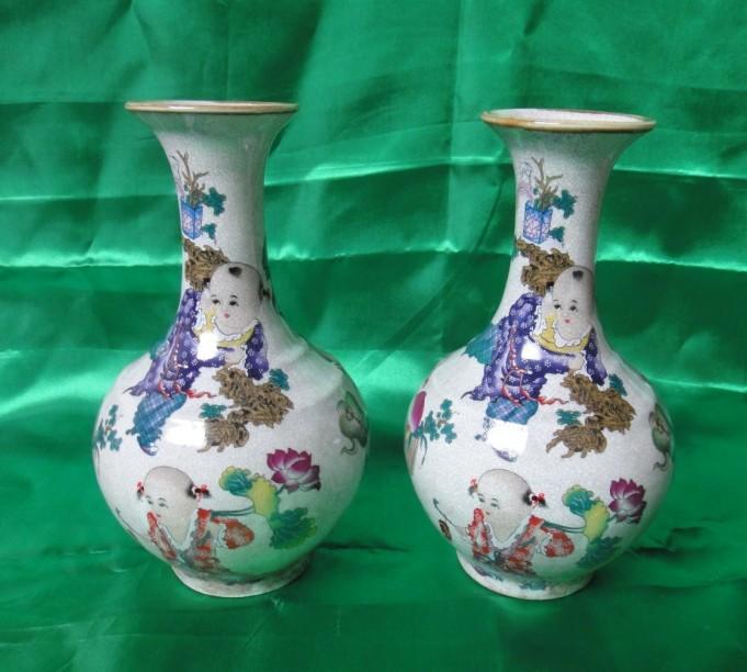 让几个工笔绘画花瓶和瓷罐子