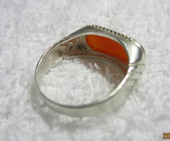 出售鹤顶红戒指,红珊瑚挂件,玳瑁挂件1月12日