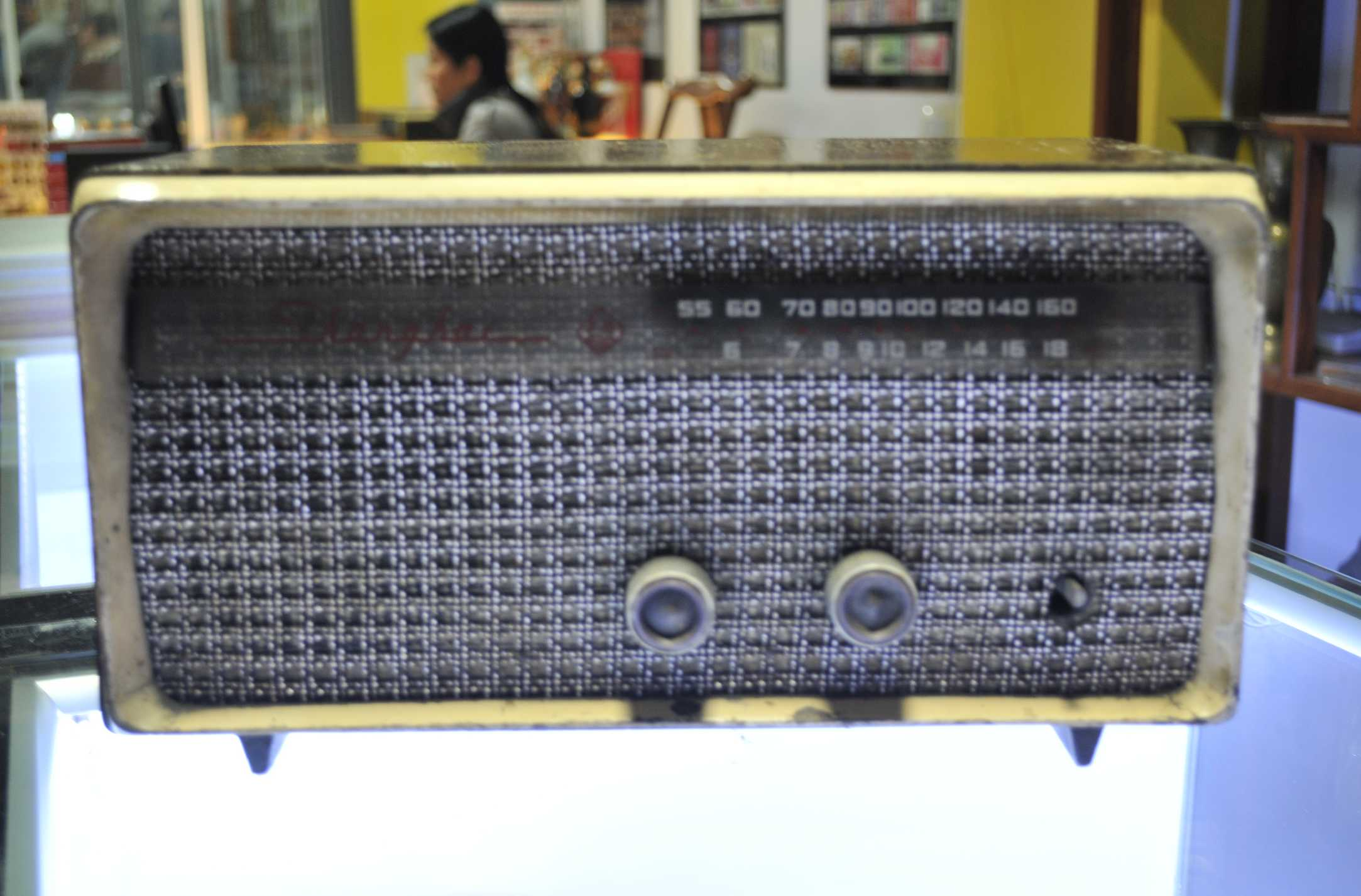 老上海五灯收音机