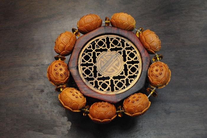 苏工南工华祖方工作室九朵莲花莲子橄榄核雕手串精雕上品