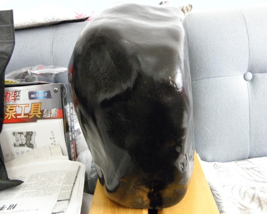 动物头形并适合做砚台的新疆海泥石